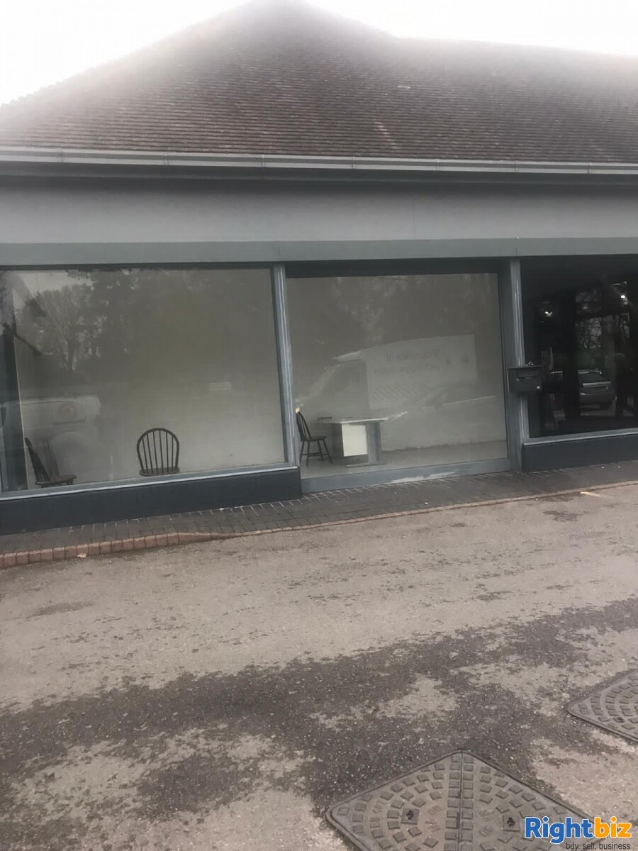 LH Rare Corner retail unit in busy petrol station on the edge of Chichester - Image 5