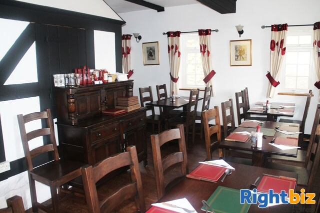 HEREFORDSHIRE/POWYS BORDER - MARKET TOWN CENTRE FREE HOUSE - Image 5