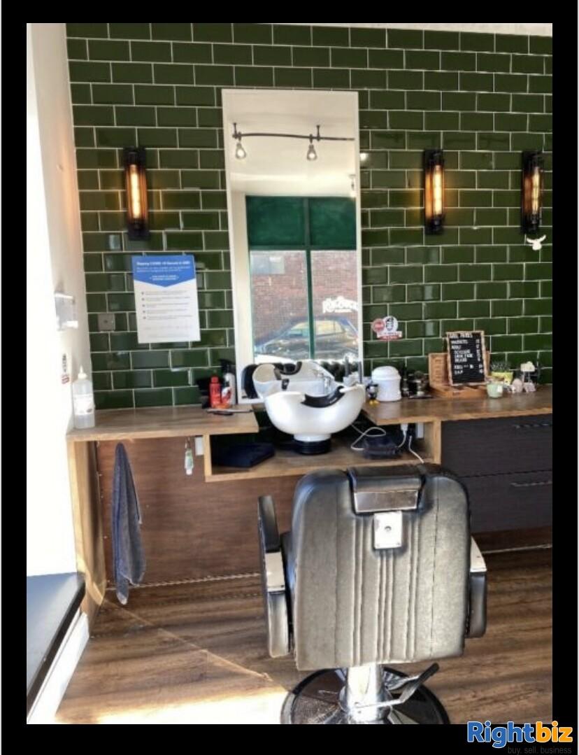Excellent two-seat barbershop in Blackburn - Image 5