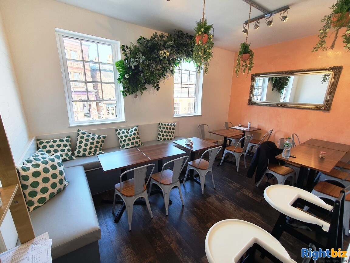 IMMACULATE TWO STOREY CAFÉ / BISTRO - A3 & ALCOHOL LICENCE - TURNOVER £5,000 PER WEEK - Image 5