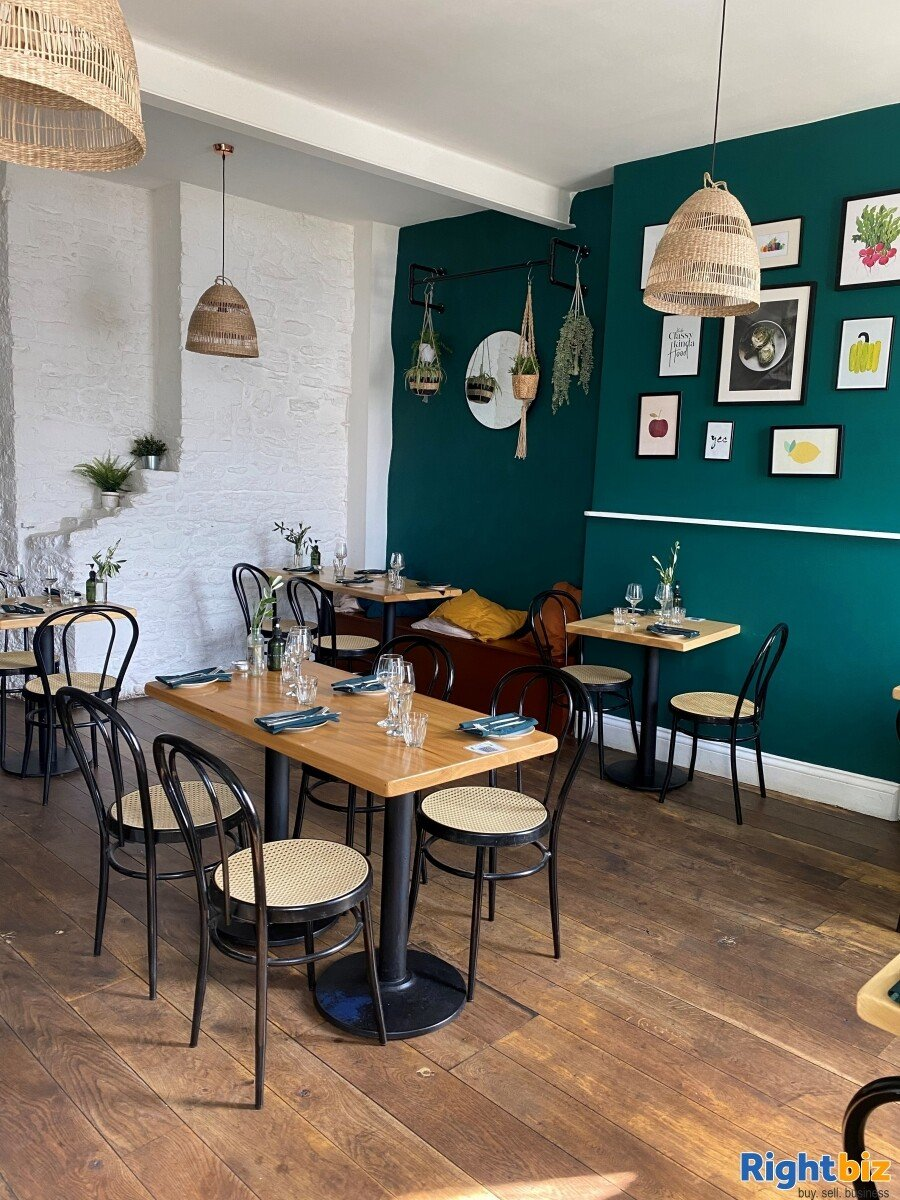 Superbly Presented  Restaurant For Sale in Frome - Image 5