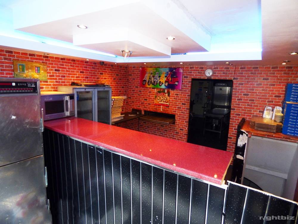 2x Commercial Freehold �+ [2x] 1-Bed flat above Ideal Investment - Image 6