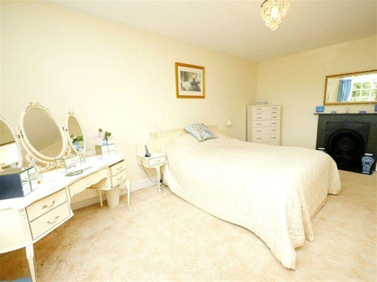 EXCEPTIONAL 5 EN SUITE LETTING ROOM GUEST HOUSE - WILTSHIRE - Image 6