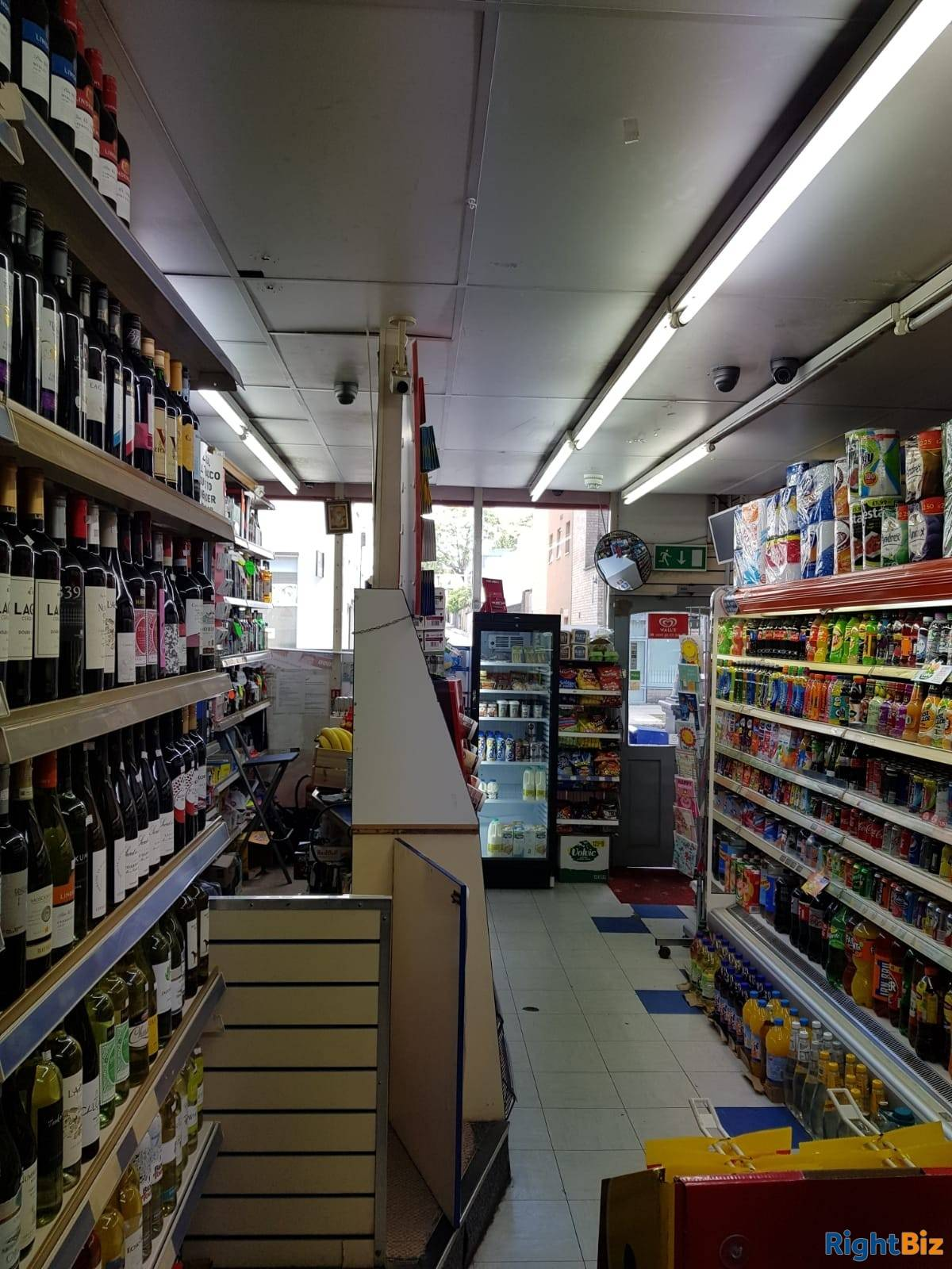 Convenient Store For sale in London Leasehold  - Image 6