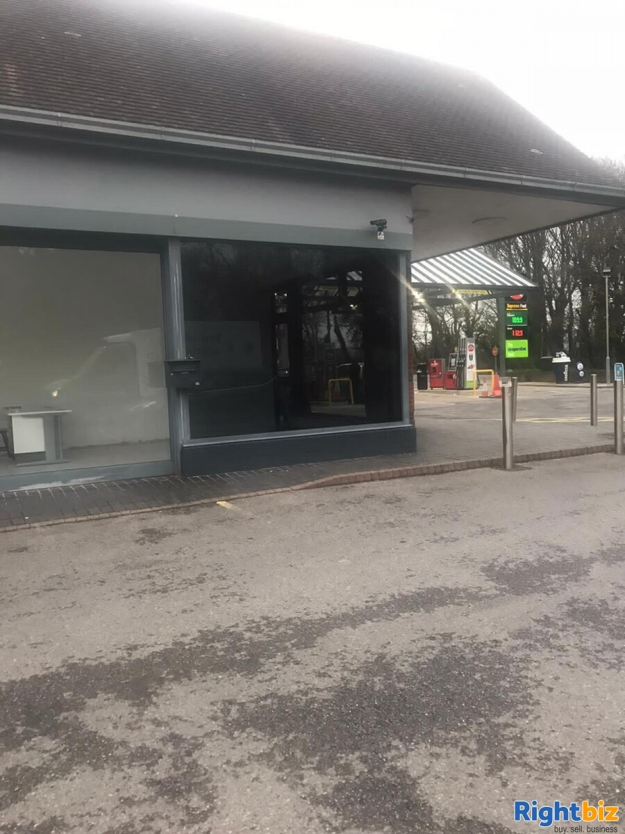 LH Rare Corner retail unit in busy petrol station on the edge of Chichester - Image 6