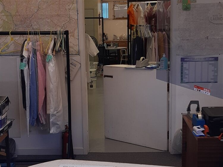 EXCEPTIONAL LAUNDRY SERVICE BUSINESS - BRISTOL - Image 6