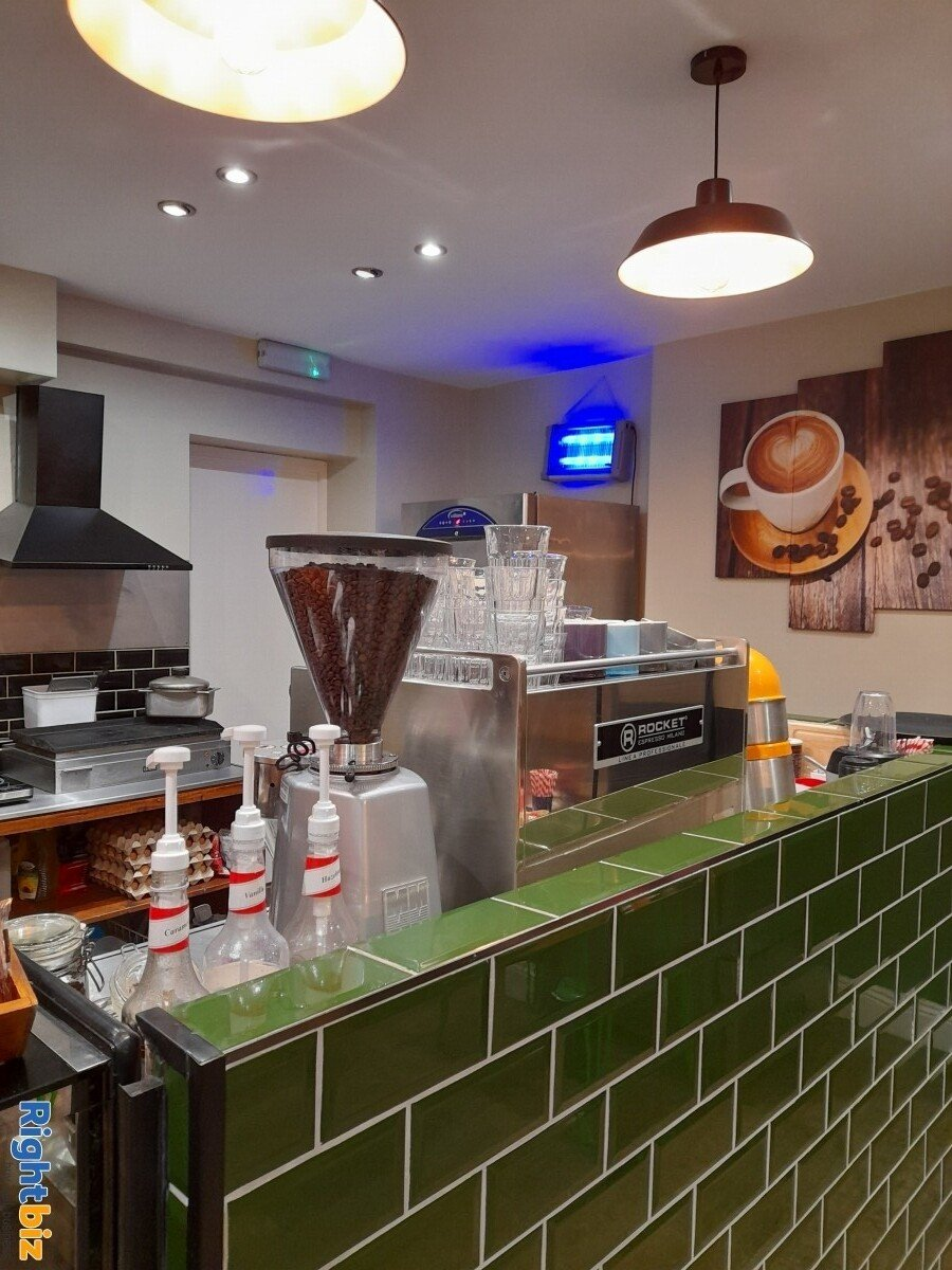 Picnic Box Cafe in Prime location, Next to Uni, Secondary School, New Church in Bournemouth Center - Image 6