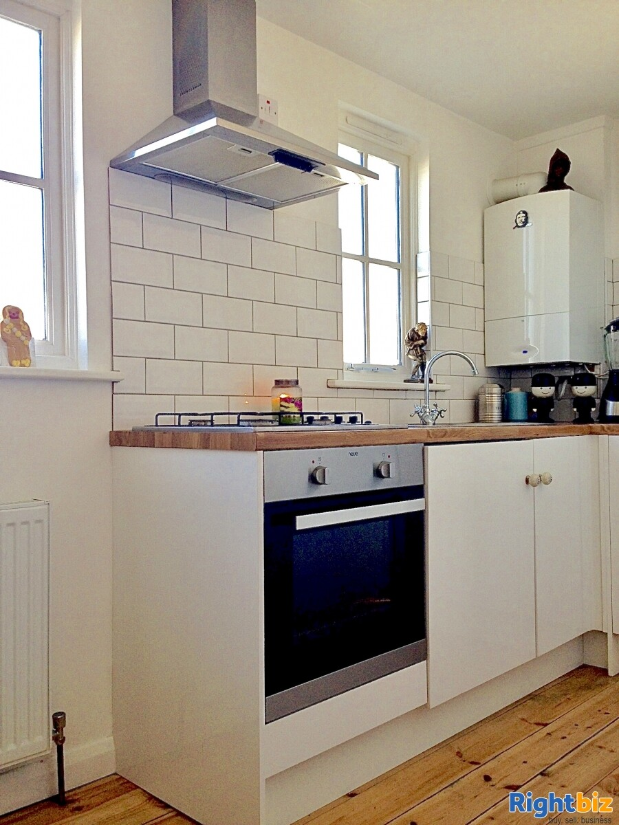 FREEHOLD ICE CREAM SHOP WITH 1 BED ACCOMMODATION FOR SALE DYMCHURCH KENT SOUTH COAST - Image 6