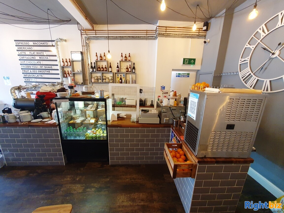 IMMACULATE TWO STOREY CAFÉ / BISTRO - A3 & ALCOHOL LICENCE - TURNOVER £5,000 PER WEEK - Image 6