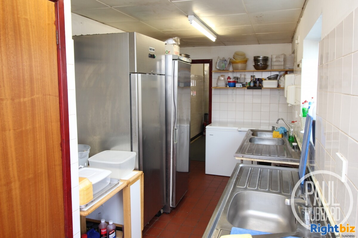 Freehold Fish & Chip Shop with 3 bedroom maisonette for sale in Great Yarmouth, Norfolk. - Image 6
