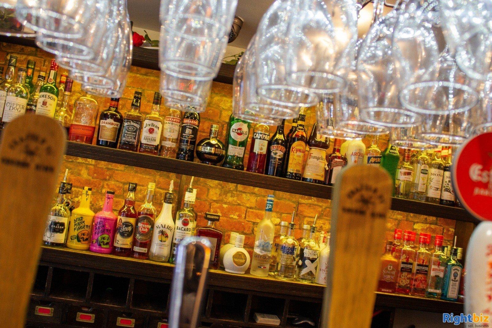 City Centre Cocktail / Wine bar / restaurant, T'a VJ's Finkle Street, York. - Image 6