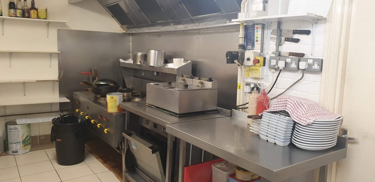 FULLY LICENSED THAI RESTAURANT WITH PRIVATE APARTMENT IN BRIDGWATER TOWN CENTRE - Image 7