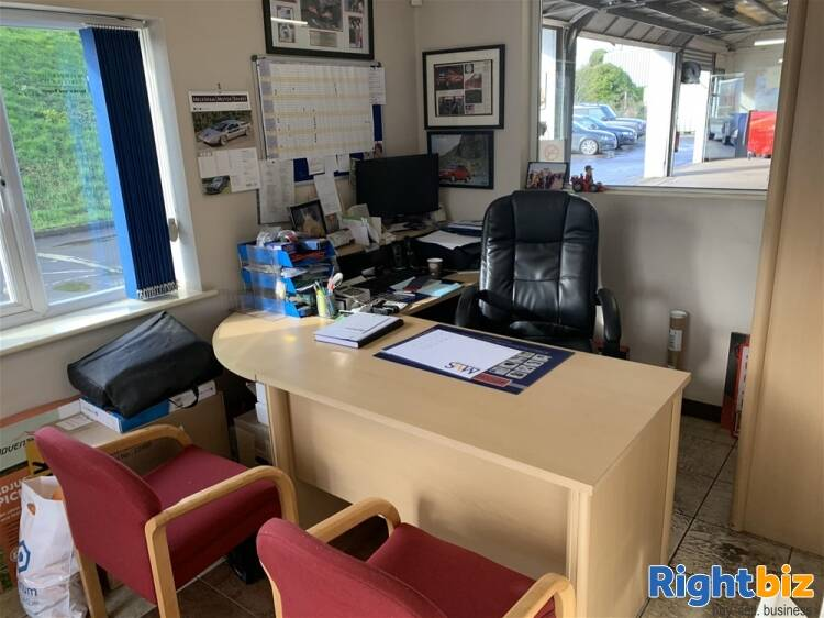 FREEHOLD MOT TESTING & REPAIRS CENTRE IN WILTSHIRE - Image 7