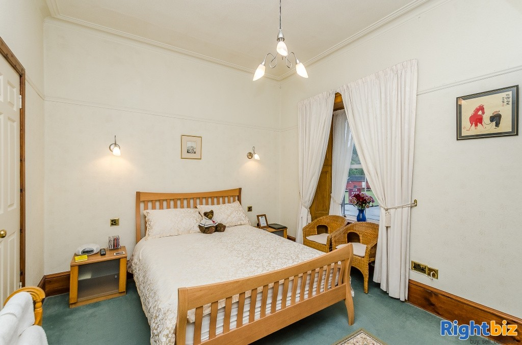 Charming Victorian Guest House for Sale in the Heart of the thriving tourist town of Oban - Image 7