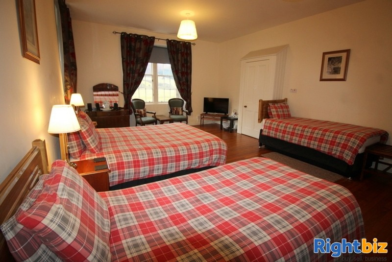 Outstanding 6-Bedroom Guest House near Pitlochry - Image 7
