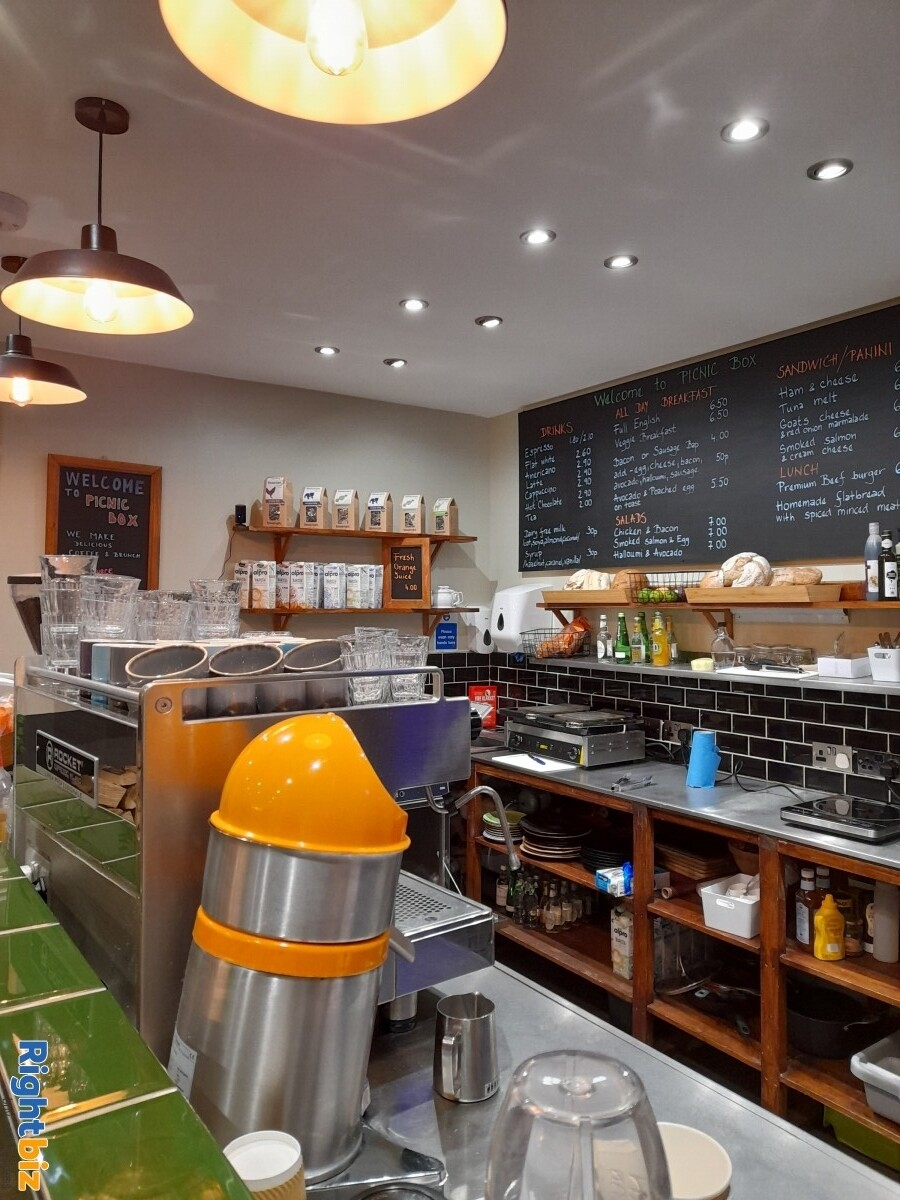 Picnic Box Cafe in Prime location, Next to Uni, Secondary School, New Church in Bournemouth Center - Image 7