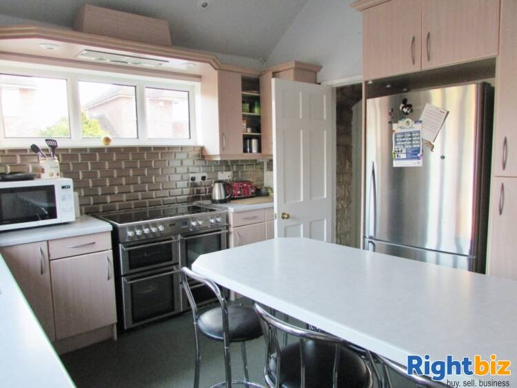 Substantial Guest House With Owners Accommodation - Image 7