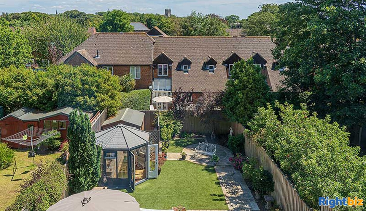 Home & Income B&B in Sought-After Priory Town - Image 7