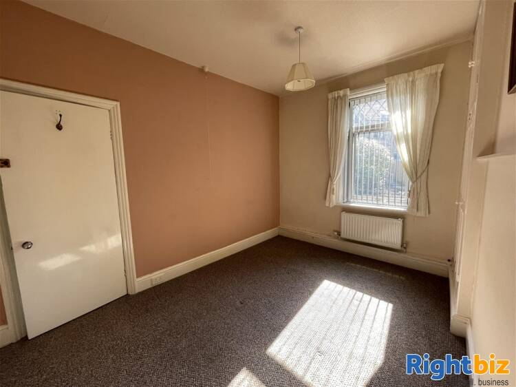 Vacant Unit For Sale in Huddersfield - Image 7