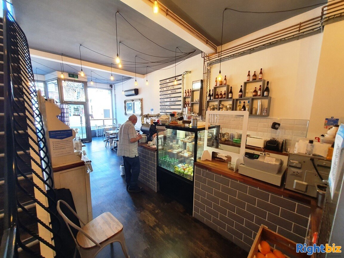 IMMACULATE TWO STOREY CAFÉ / BISTRO - A3 & ALCOHOL LICENCE - TURNOVER £5,000 PER WEEK - Image 7