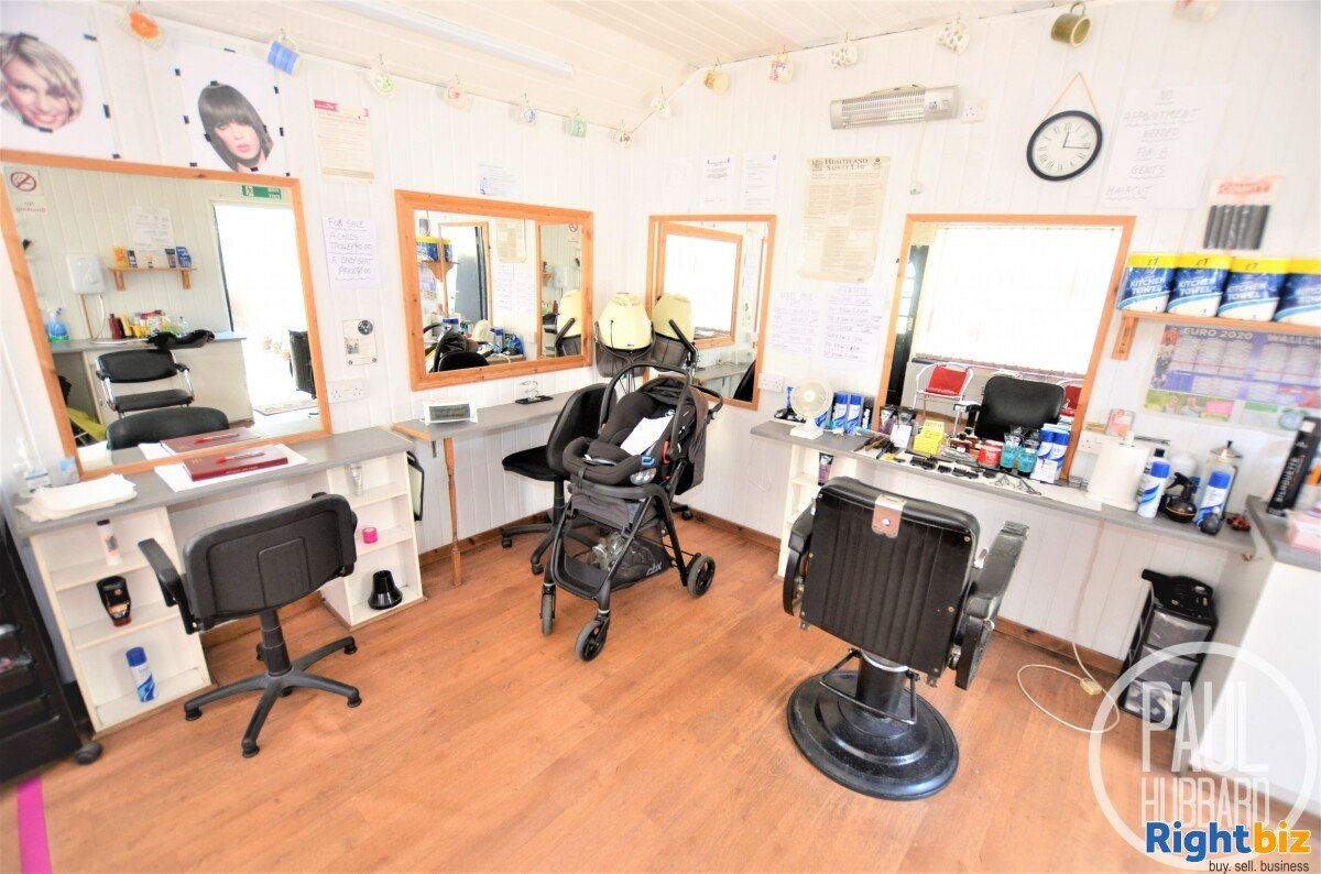 Unique Freehold - Hairdresser/Barbers with a spacious 4 bedroom Edwardian end-terraced house - Image 7