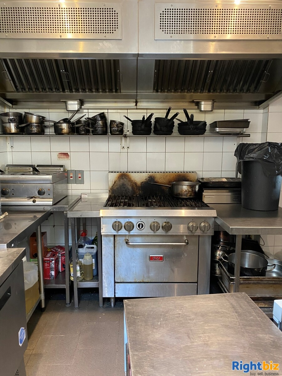 Superbly Presented  Restaurant For Sale in Frome - Image 7