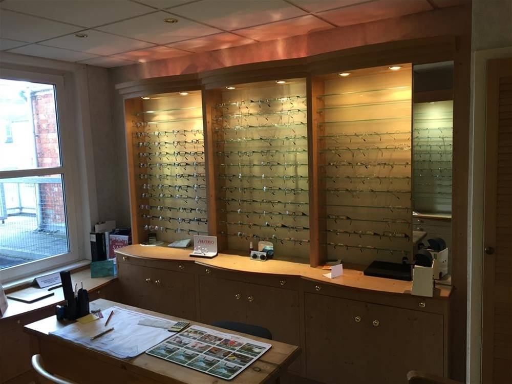 INDEPENDENT DISPENSING OPHTHALMIC PRACTICE IN SWINDON TOWN CENTRE - Image 8