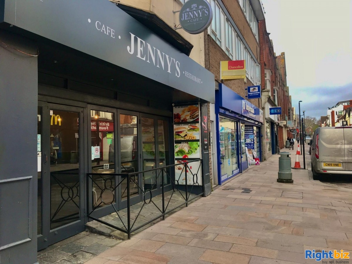 Busy Cafe/Restaurant for sale (120 seats), located on high street, with a large 2 bedroom flat - Image 8
