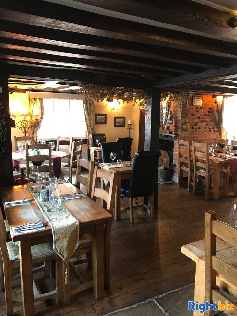 A CHARACTERFUL 14TH CENTURY INN - Image 8
