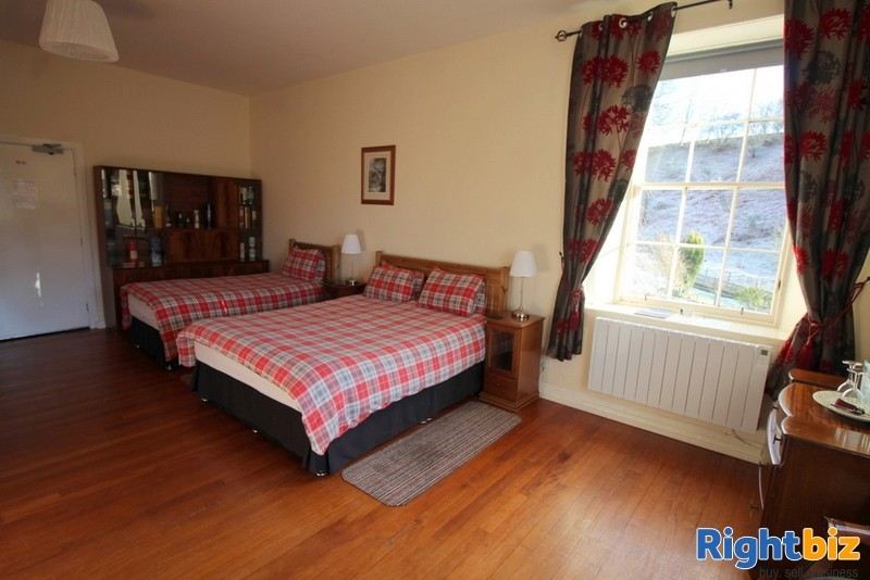 Outstanding 6-Bedroom Guest House near Pitlochry - Image 8
