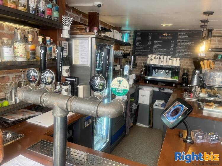 Recently Fitted Café/Bar in Historic and Busy Town Centre Location - Image 8