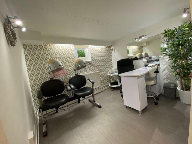 Well Established Hair Salon For Sale - Image 8