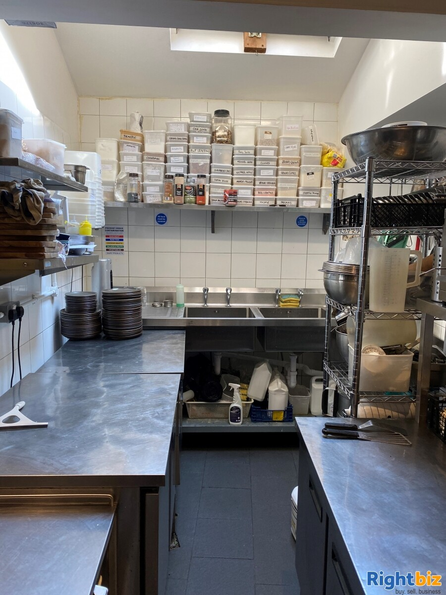 Superbly Presented  Restaurant For Sale in Frome - Image 8