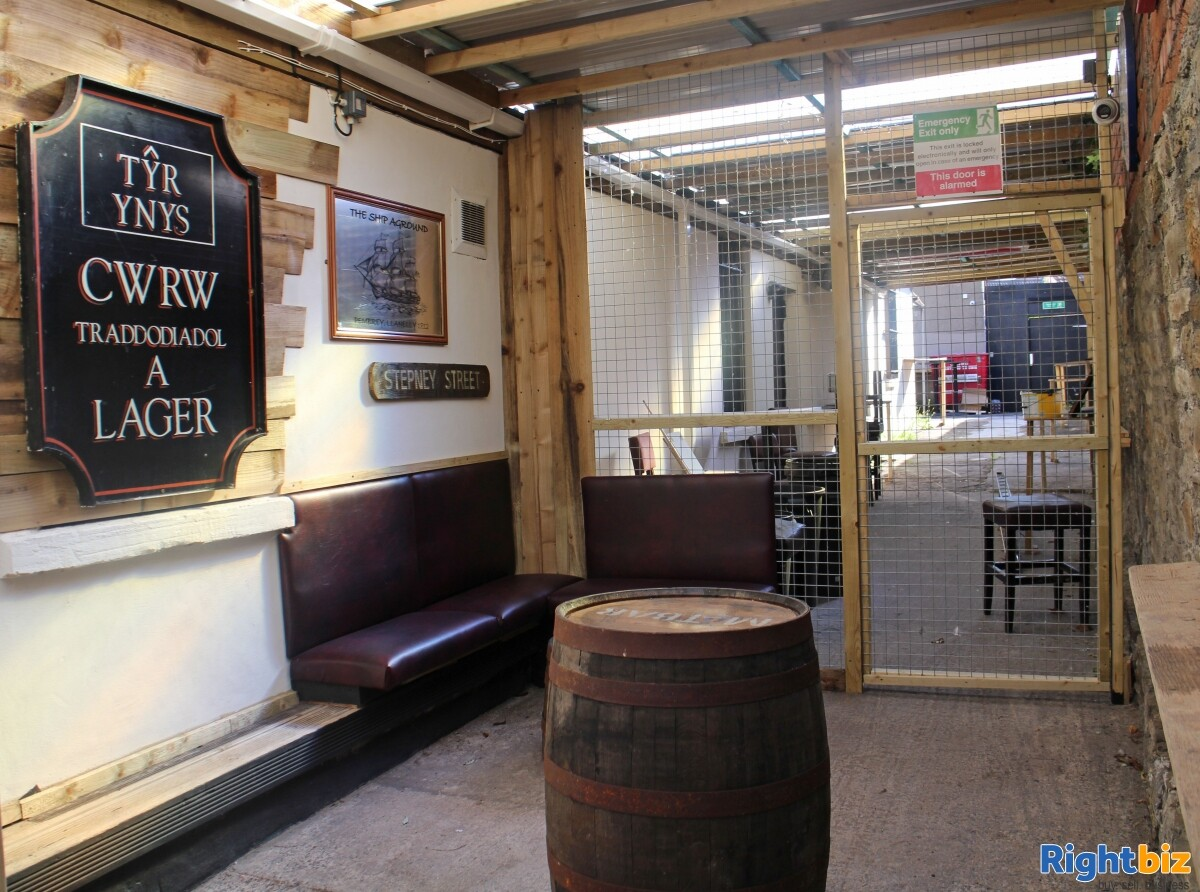 CARMARTHENSHIRE (LLANELLI) WELL ESTABLISHED AND HIGHLY PROFITABLE LATE NIGHT VENUE - Image 8