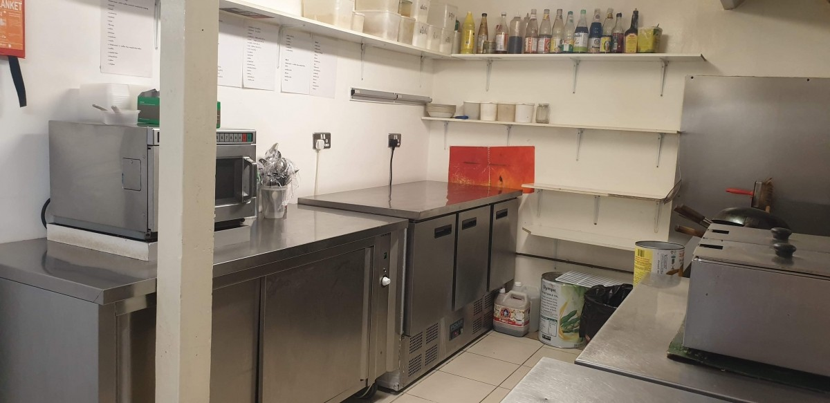 FULLY LICENSED THAI RESTAURANT WITH PRIVATE APARTMENT IN BRIDGWATER TOWN CENTRE - Image 9