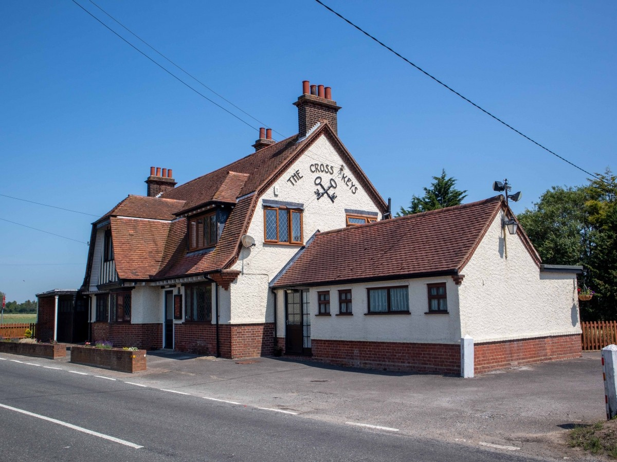 SUFFOLK - WELL PRESENTED FREEHOUSE - Image 9