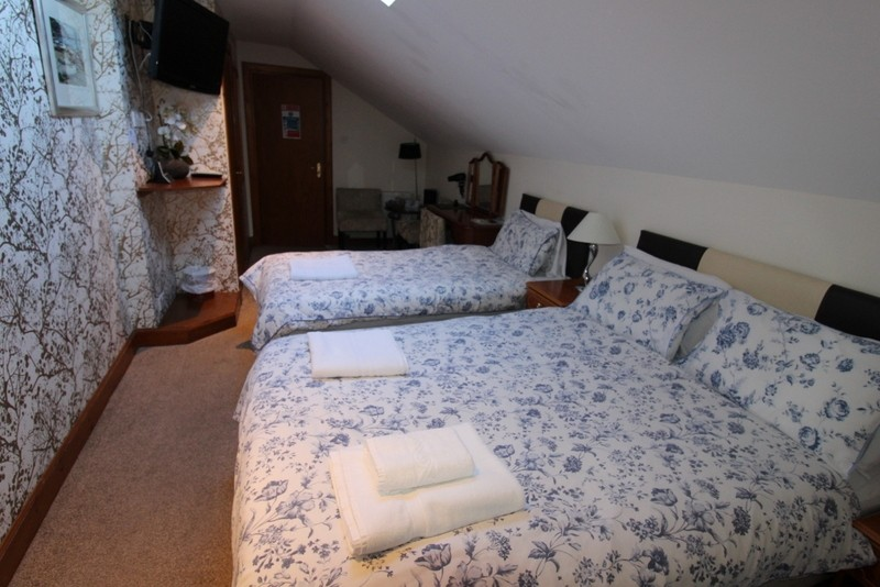 Modern Bed & Breakfast set in the City of Inverness - Image 9
