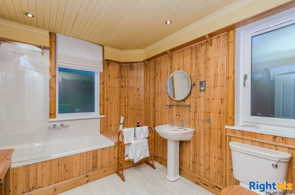 Charming Victorian Guest House for Sale in the Heart of the thriving tourist town of Oban - Image 9