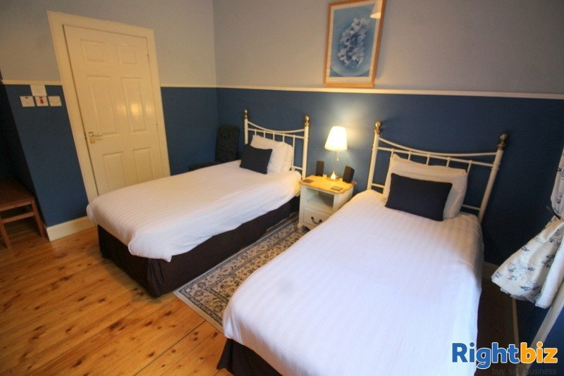 Outstanding 6-Bedroom Guest House near Pitlochry - Image 9