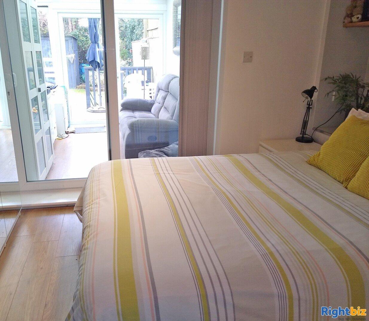 High Quality Home & Income B&B - Lymington - Image 9