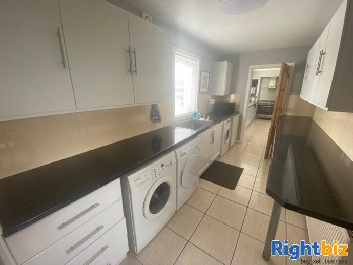 20 Year Established Cattery and Stunning Extensive Family Home - Image 9