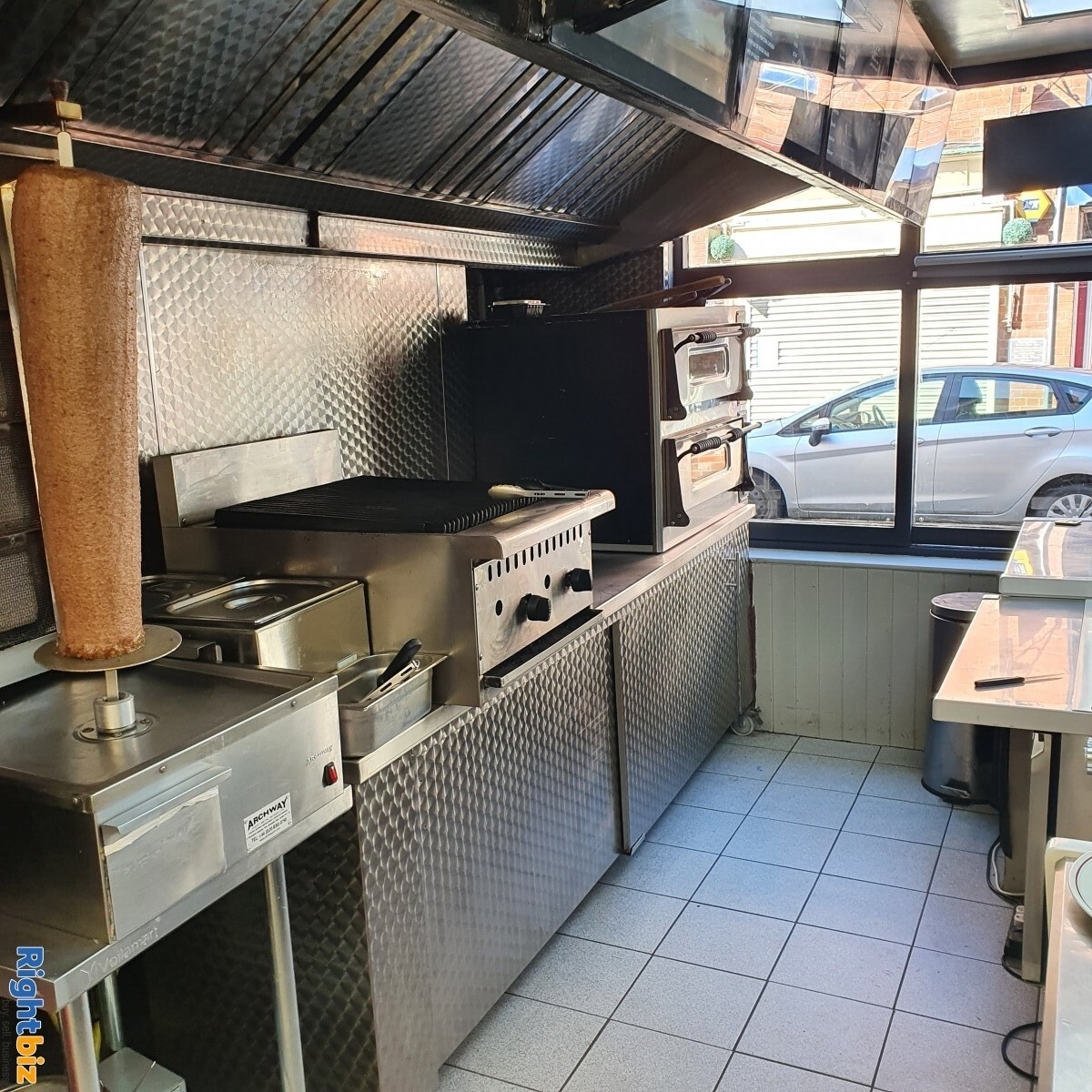 Fully Equipped Food Takeaway for Sale in LLangollen Town Centre, Refubrished and Decorated - Image 9