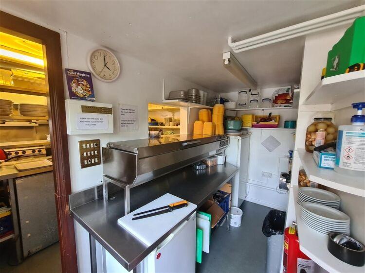 Cafe & Sandwich Bars For Sale - Image 9