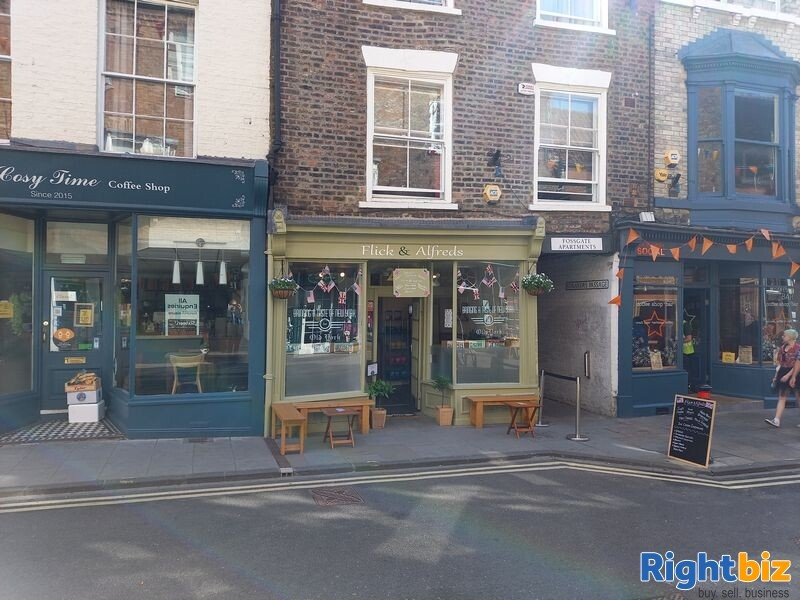 Immaculately presented Sandwich bar / cafe T/a Flick and Alfreds, 24 Fossgate, York, YO1 9TA - Image 9