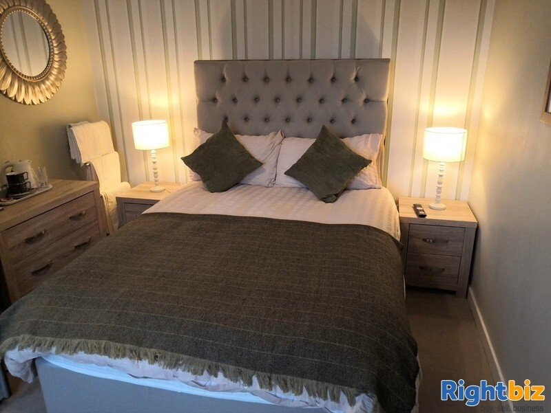 Excellent 6-Bedroom Bed & Breakfast plus Self-Catering Accommodation in Stornoway - Image 9