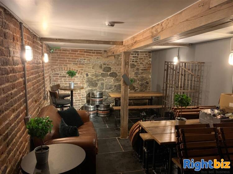Recently Fitted Café/Bar in Historic and Busy Town Centre Location - Image 9