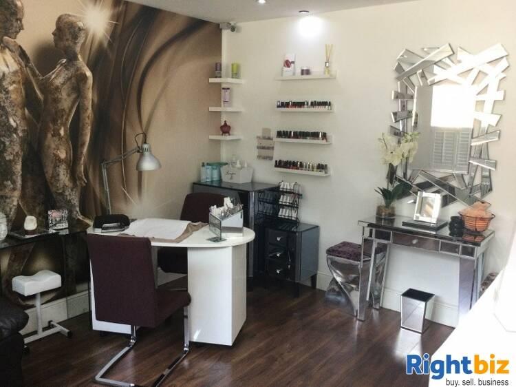 Elegant Beauty Salon For Sale - Image 9