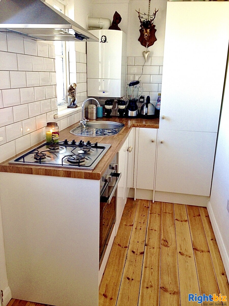 FREEHOLD ICE CREAM SHOP WITH 1 BED ACCOMMODATION FOR SALE DYMCHURCH KENT SOUTH COAST - Image 9
