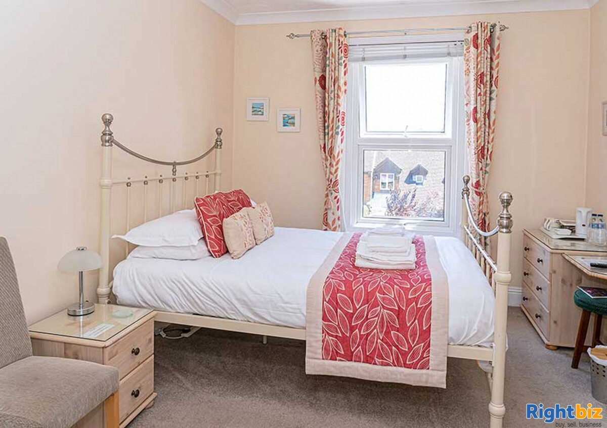 Home & Income B&B in Sought-After Priory Town - Image 9